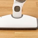 Damsug golvet ordentligt innan slipningen.