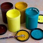 Det är viktigt att man väljer rätt färg till materialet.